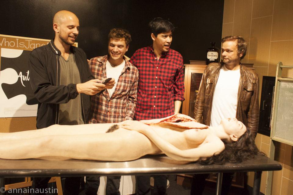actors-with-prop-jane-the-autopsy-of-jane-doe-qa-fantastic-fest-2016-8331