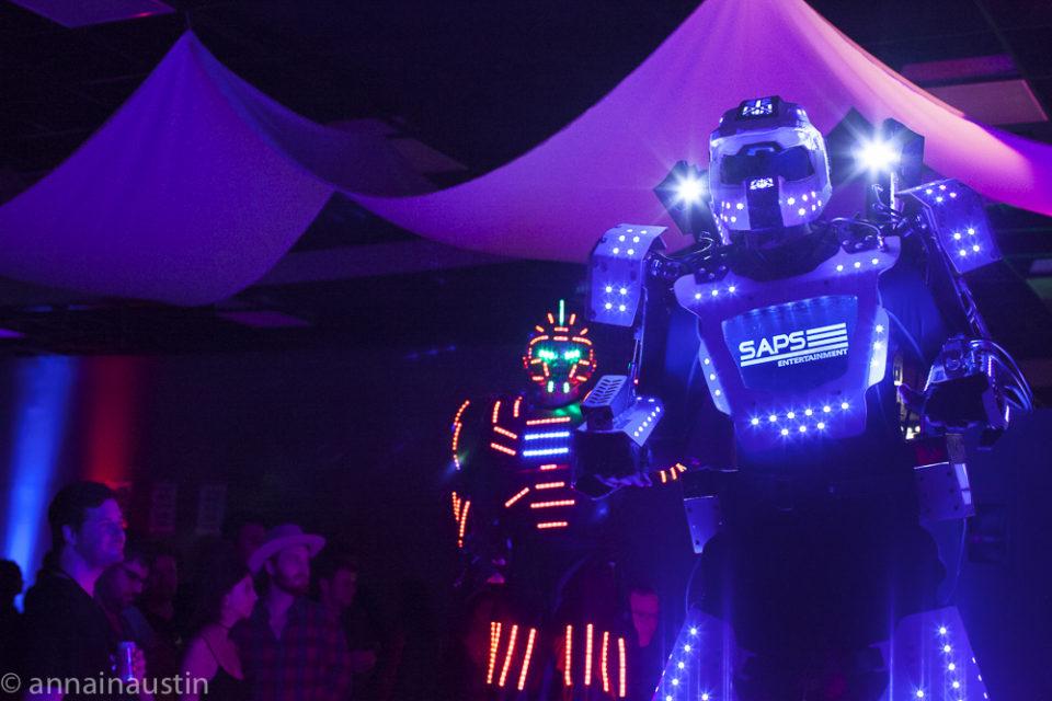 dancing-robots-at-the-closing-night-party-at-fantastic-fest-2016-austin-texas-1460
