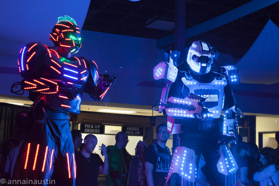 dancing-robots-at-the-closing-night-party-at-fantastic-fest-2016-austin-texas-1486
