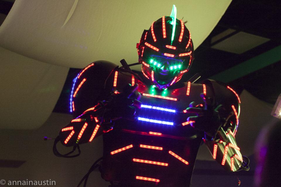 dancing-robots-at-the-closing-night-party-at-fantastic-fest-2016-austin-texas-1516