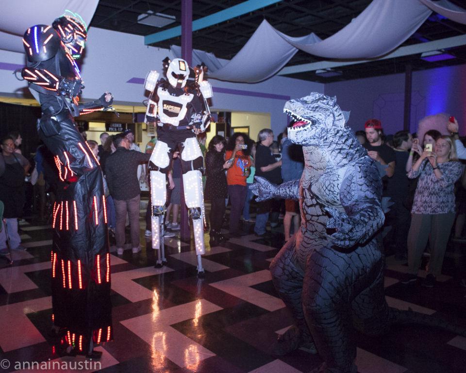 dancing-robots-at-the-closing-night-party-at-fantastic-fest-2016-austin-texas-1534